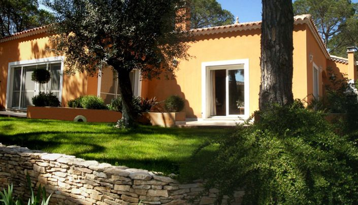 maison traditionnelle extérieur
