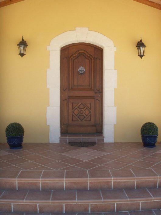 porte maison traditionnelle